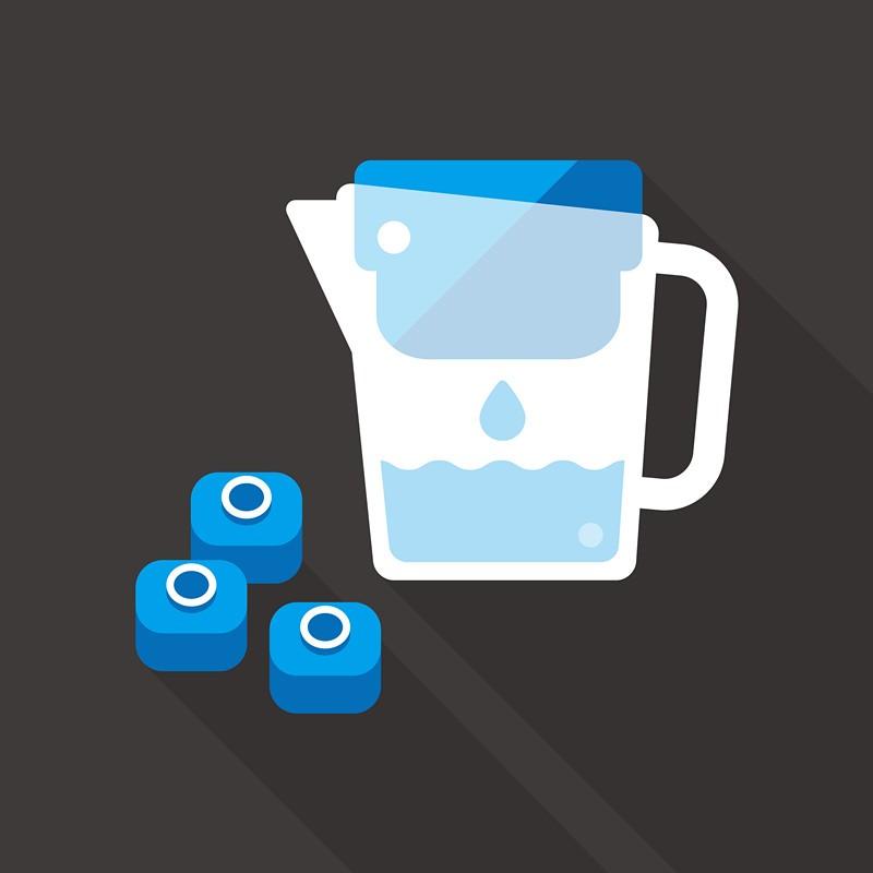 Water filter jug with filter cartridge