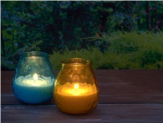 citronella candles act as a natural insect repellent