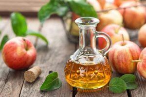 Vinegar solution for repelling ants